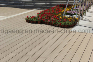 Fast Assembly & Disassembly Low Maintenance WPC Outdoor Decking