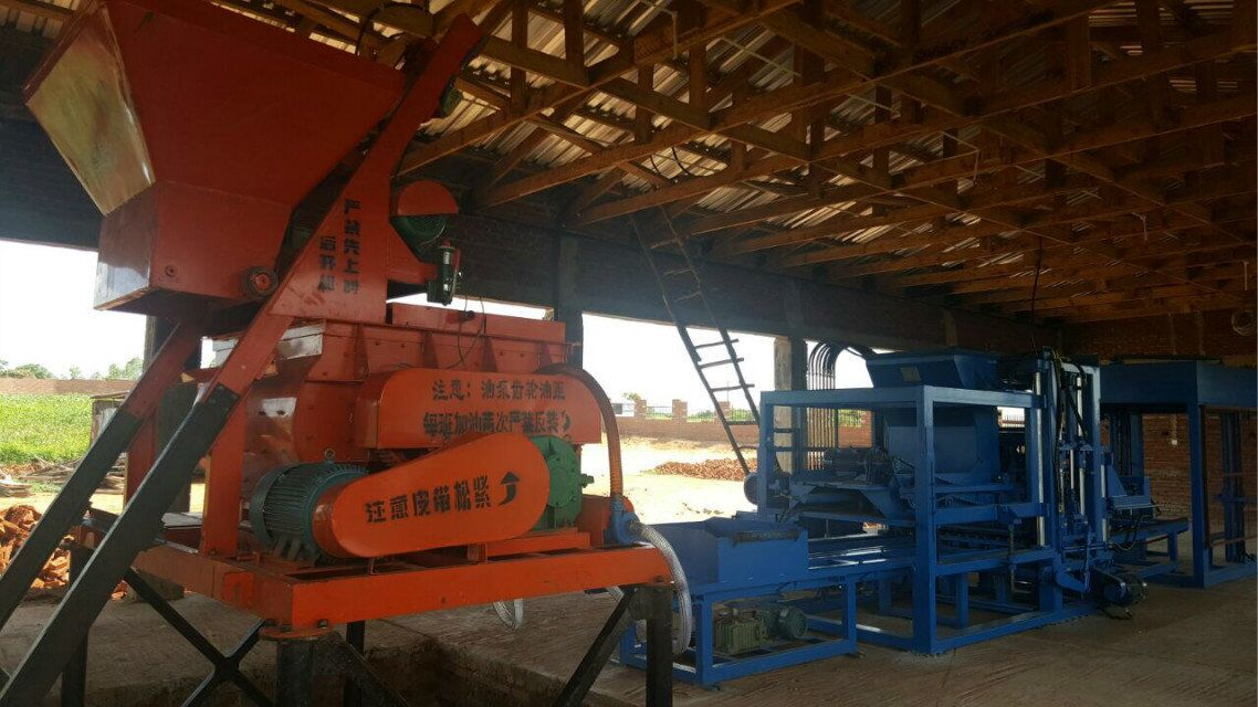 QTY6-15 fully automatic machine line working in Malawi