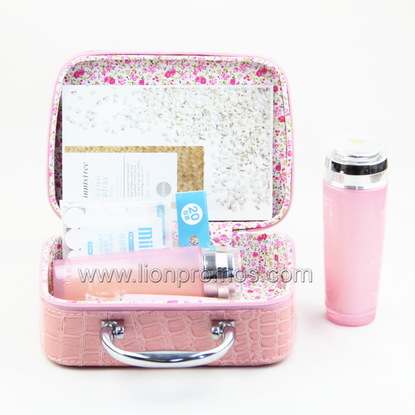 Beautiful Lady Travel Gift Cosmetic Case