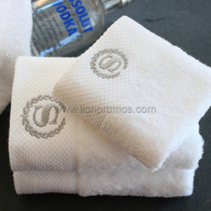 Luxury 5 star Hotel Logo Embroidery Sateen Bath Towel Face towel Set