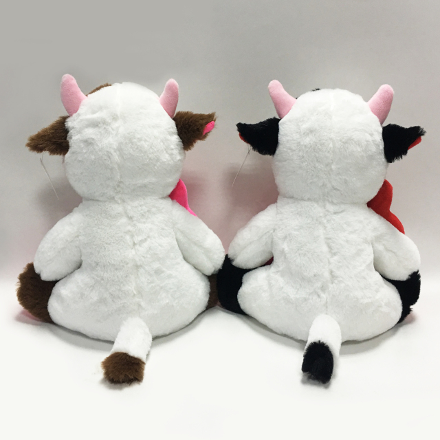 New Design Cow Plush with Heart for Love Valentines Day