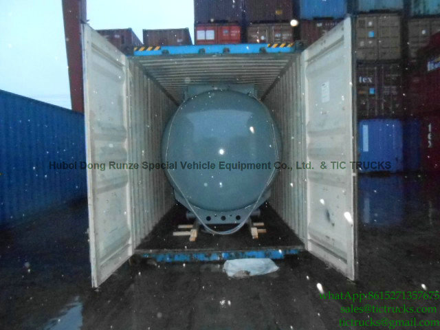Acid tank body plastic lining loading into container will ship to Buenos Aires