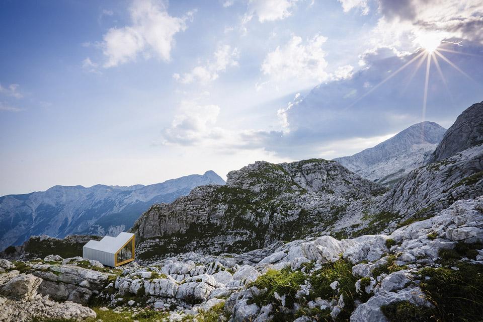 Alpine Shelter Skuta2.jpg