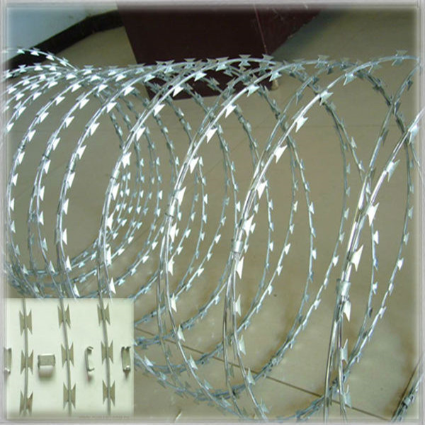 18inch diameter, 32ft long Hot dipped galvanized razor barbed wire ...