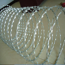 500mm diameter, covering 10m long Cross Galvanized Razor Barbed Wire