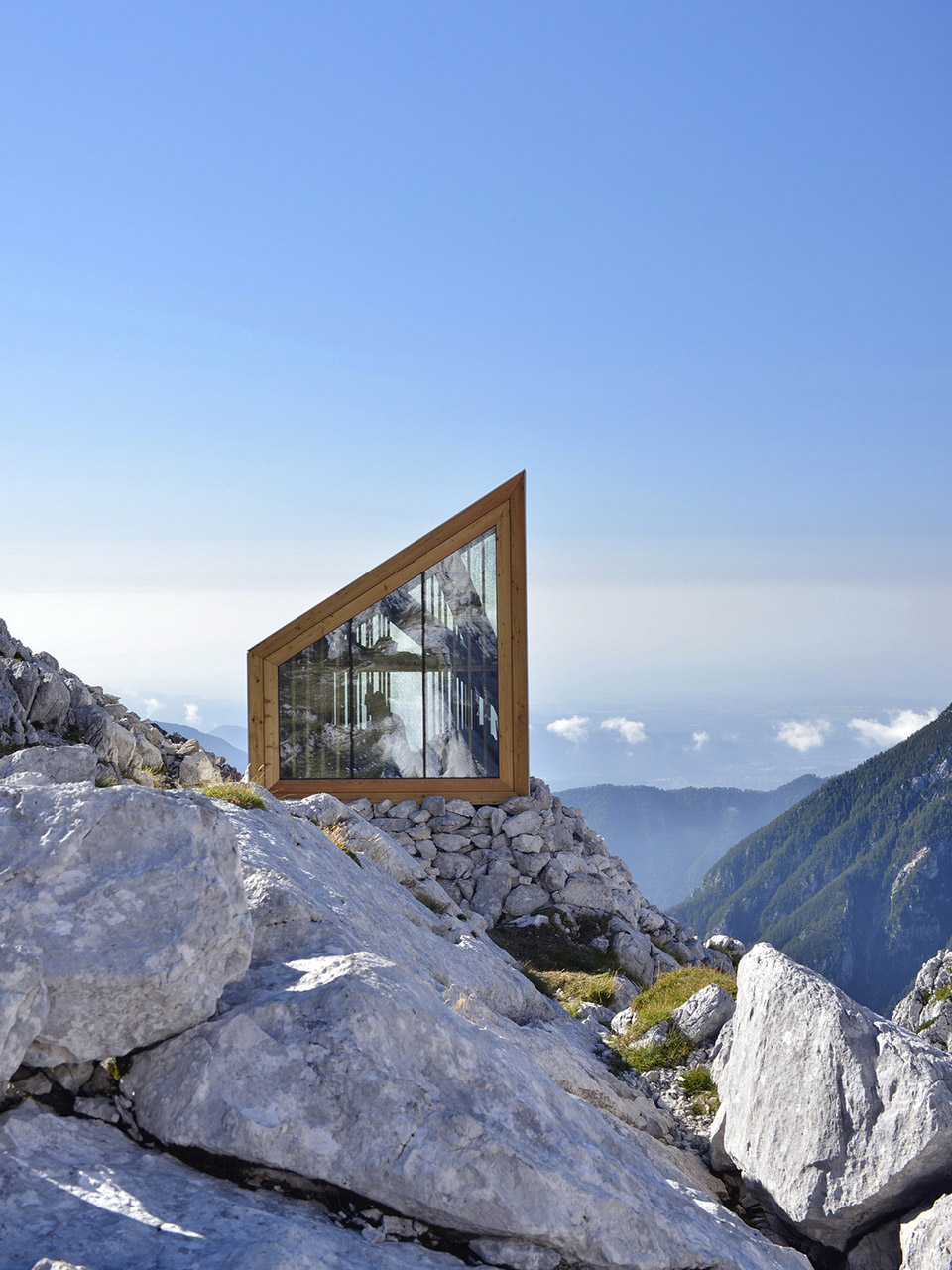 Alpine Shelter Skuta3.jpg
