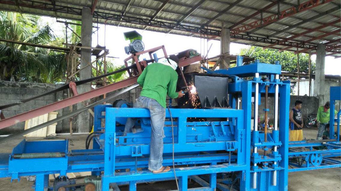 Machine du bloc QTY4-15 à Philippines (7)