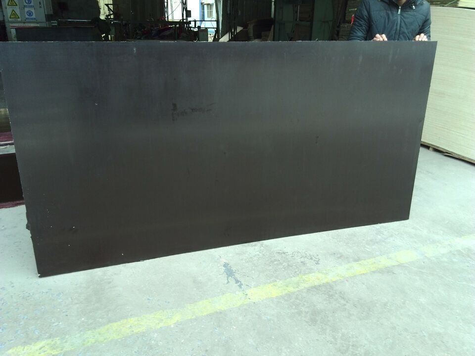 Chinese Plywood with Poplar Core WBP Glue Brown Film (HBP062)