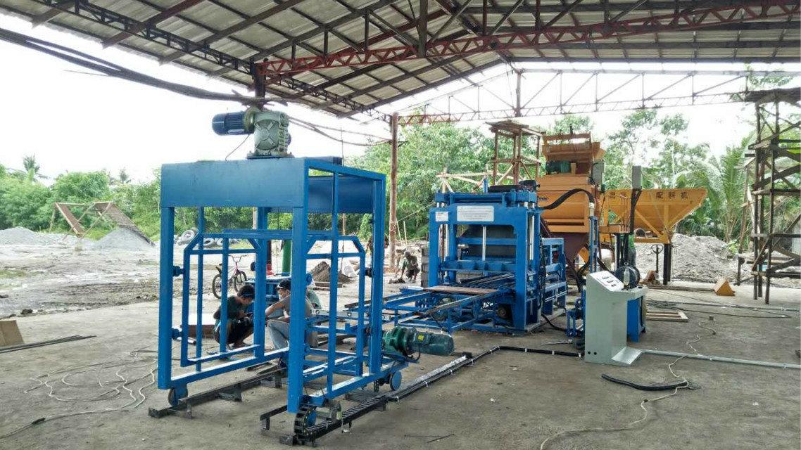 Machine du bloc QTY4-15 à Philippines (1)