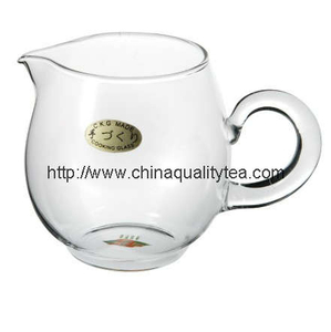 Glass tea pitcher(Gongdao Bei)