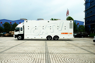 ISUZU 6x4 OB Van
