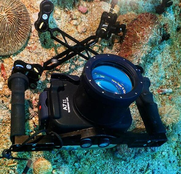 CAMERA underwater case sony A7II.jpg