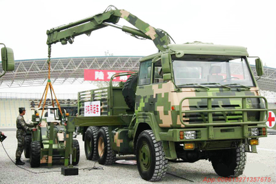 STEYR  6x6 Military Truck off road truck crane