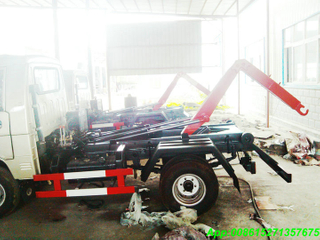 Hook lift truck with 3~4M3 Garbage Bin