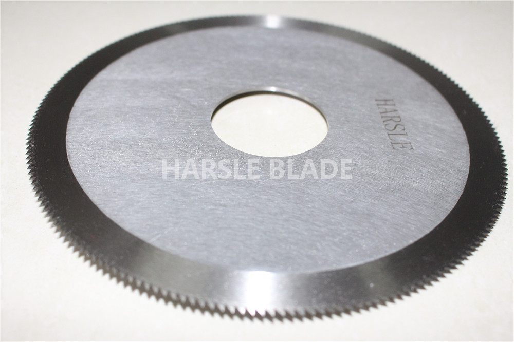 Circular saw cutting blade, round toothed sharp cutting knife