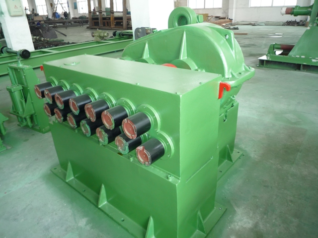 Hydraulic metal sheet cutting machine for steel coil