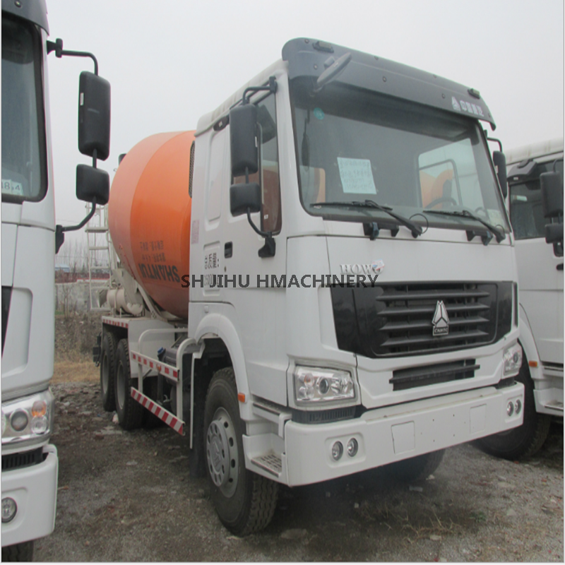 Used Howo Sinotruk concrete mixer truck 6x4 (9-12cbm drum