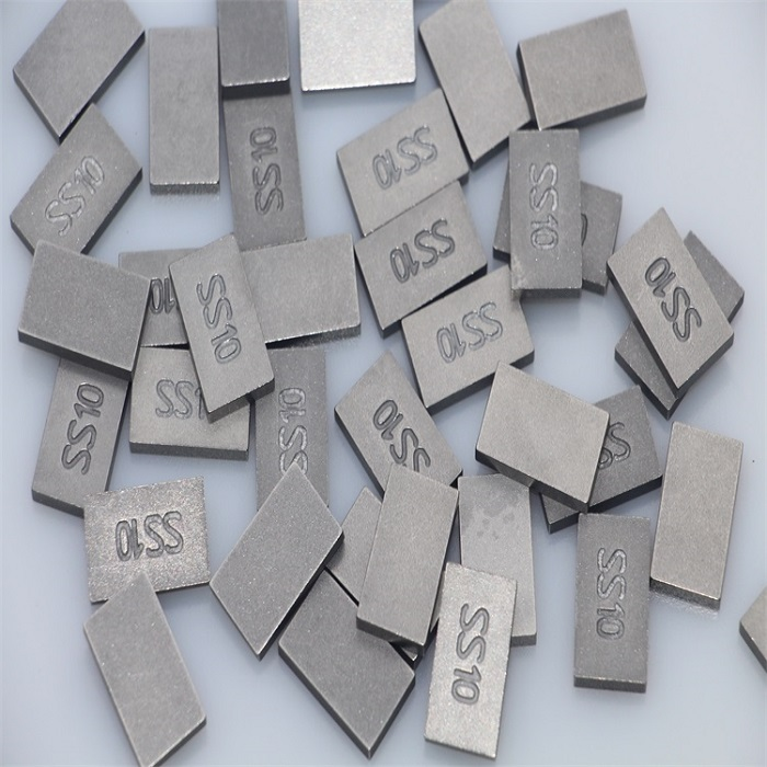 Tungsten carbide for stone cutting