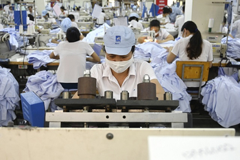 Vietnam garment export drops