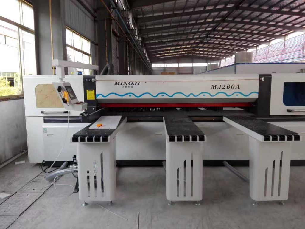 Foshan Mingji CNC panel saw machine MJ-260A finished installation in customer's factory