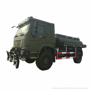 Sinotruk HOWO Refilling Oil Tank Truck (4X4 Fuel Bowser LHD Refueler or Right Hand Drive Tanker)