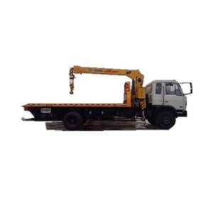 Rolling Back Dongfeng Wrecker with Crane Max Loading Weight 6300 Kg
