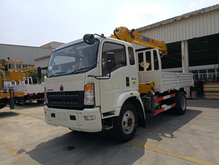HOWO 4X2 Truck with XCMG 3.2T Crane
