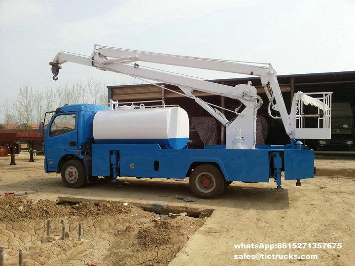 Camion aérien -28m-with-water tank.jpg de plate-forme