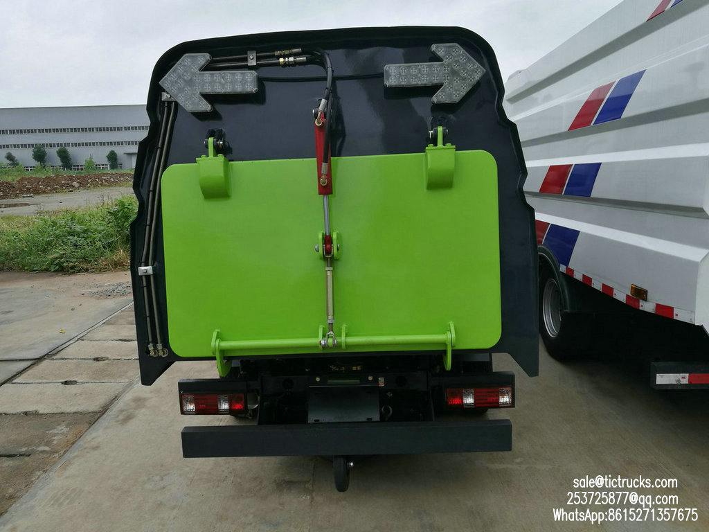 Mini balayeuse de route de Dongrun -1200Liter-.jpg