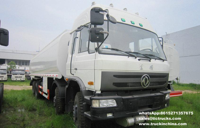 Capacité 30000L_1.jpg de camion de pétrolier de Dongfeng 8x4