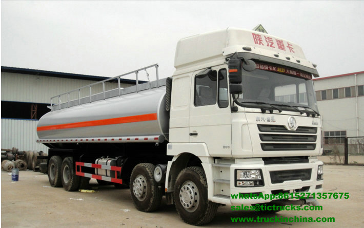 Camion-citerne de la distribution de pétrole de F3000 Shacman