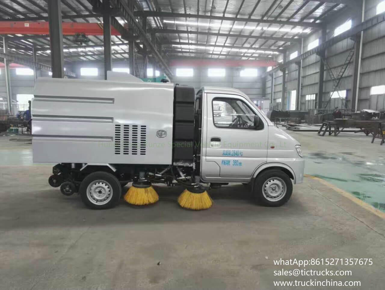 Mini balayeuse de route de la balayeuse vehicle-02T- de Changan trucks_1