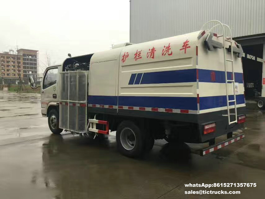 route sweeper-032-water-cleaning_1.jpg