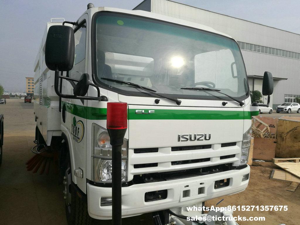 ISUZU vaccum sweeper truck -05.jpg