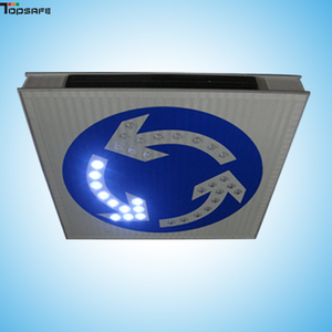 Solar LED 360°C oriented road sign
