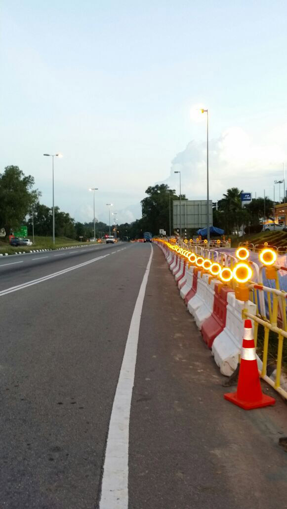 barricade-light-in-Brunei.jpg
