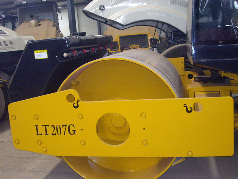 LT207G Mechanical single durm vibratory drum roller compactor