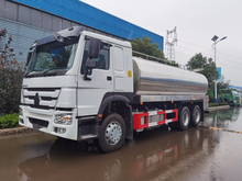SINOTRUK HOWO 6X4 Milk Storage and Transport Truck