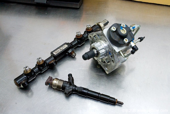 The difference between common rail system and camshaft driven diesel injection system