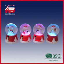 Customized Electric LED Water Globe Resin Snowballs Cute Water Ball