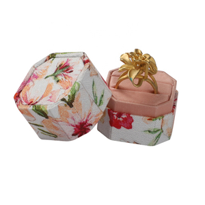 Wholesale Luxury Octagon Flower Pattern Ring Box with Custom Logo for Wedding with 2 Slots for Ring