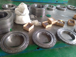 Four point contact ball slewing bearing design