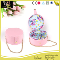 White Pink Round Shape Metal Chain Carrying Jewelry Case