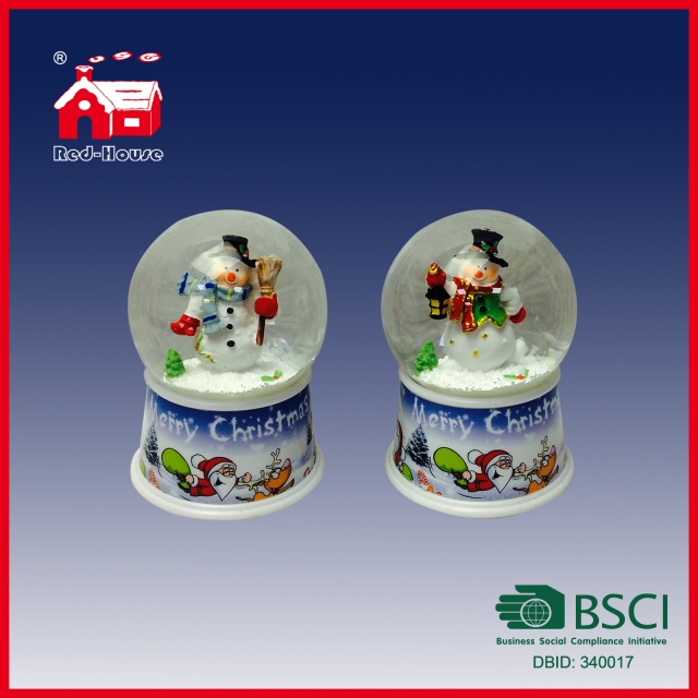 2016 Chinese Factory Handmade Carved Resin Lovely Panda Snow Globe with LED Lights